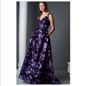Theia Sleeveless Floral Gown Size 10US MSRP $895